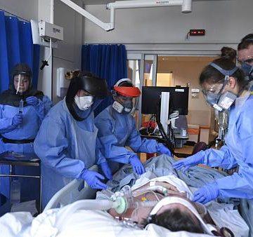 Στον «πόλεμο» κατά του κορονοϊού από σήμερα 206 ιδιώτες γιατροί, παρουσιάζονται στα νοσοκομεία