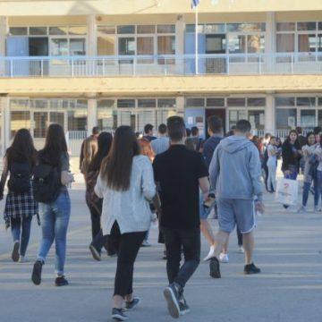 Ανοίγουν τα σχολεία: Δεν έχει προαγωγικές και φέτος, τι θα γίνει με τις πανελλήνιες