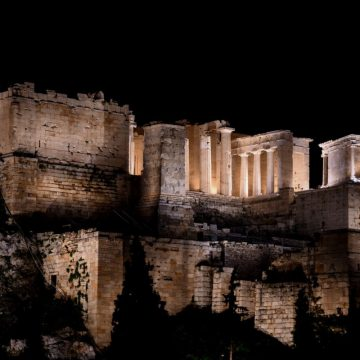 Τρία «Όσκαρ» με δύο υποψηφιότητες για τον φωτισμό της Ακρόπολης