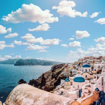 Έρχεται πρόγραμμα ενίσχυσης 425 εκατ. ευρώ για τον τουρισμό