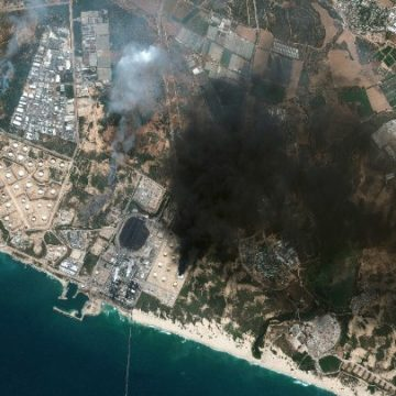 Συνεχίζεται ο βομβαρδισμός της Γάζας.