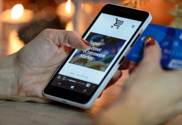 «Ανοιχτή» είναι η υποβολή αιτήσεων για τον Β΄ κύκλο της δράσης του ΕΠΑνΕΚ «e-λιανικό», το οποίο δίνει επιδότηση έως 5.000 ευρώ για e shop.